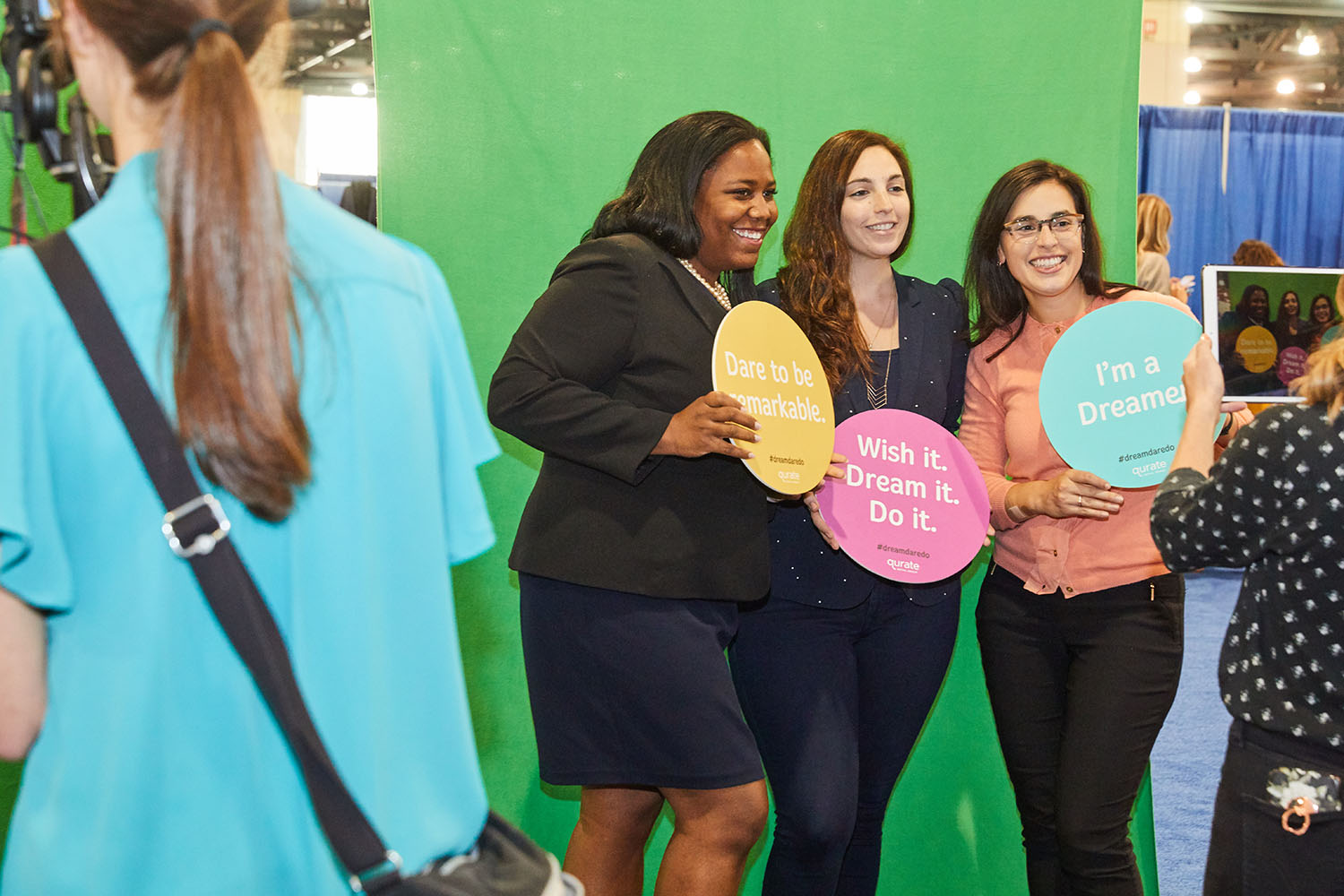 Image 8_PA Conference for Women attendees particpate in Qurate Retail Group's #dreamdaredo social activation.